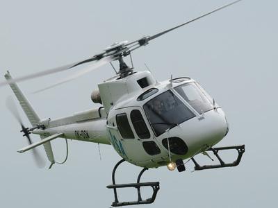 Частный вертолет сел на лед Братского водохранилища