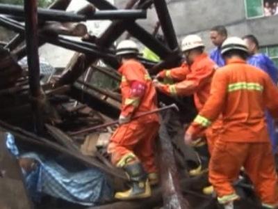 Жуткий смерч в Китае: десятки погибших, сотни раненых