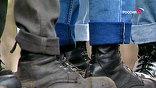 Члены группировки - молодые рабочие и учащиеся - были задержаны в 2002 году после жестокого избиения уроженца Таджикистана, которому они нанесли 18 ножевых ранений
