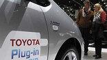 Мировой автоиндустрии так и не удалось приучить автолюбителей заправлять машины от розетки