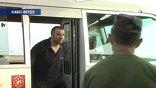 К самолетам бандитов привезли на школьном автобусе - другого транспорта не нашлось