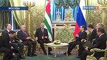 Для абхазского президента это первые большие переговоры