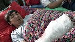 Умирают и раненые беженцы, которым удалось пройти в соседний Узбекистан.  Прежде чем закрыть границу, Ташкент принял около 50-ти тысяч человек.
