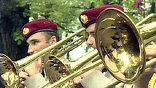 В садах, парках и на площадях города в четверг играли военные духовые оркестры