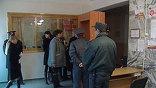 В ходе расследования массового убийства в Кущёвской выяснилось, что в районе уже много лет действовала хорошо организованная банда, во главе которой стоял крупный землевладелец Сергей Цапока, среди его помощников был местный депутат.