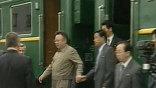 """Слежки и провокаций со стороны империалистических стран опасается главный пассажир - """"великий руководитель"""", таков один из официальных титулов Ким Чен Ира."""
