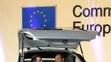 Прототип продемонстрировал сам президент Еврокомиссии Жозе Мануэл Баррозу. Справа от него президент компании Hiriko Джезус Эчабе (Jesus Echabe) (фото с сайта zeenews.india.com).