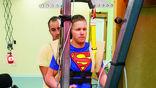 Дастин Шиллкокс к концу клинических испытаний научился ходить без посторонней помощи