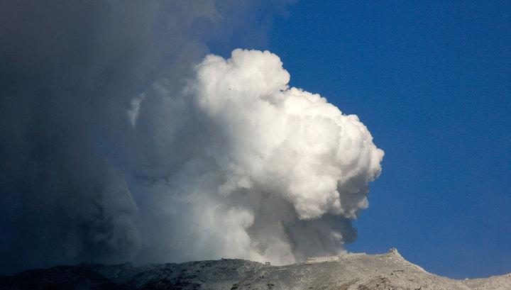 Сход лавины и извержение вулкана в Японии: 15 человек пострадали