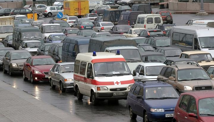 Ливень спровоцировал в Москве десятибалльные пробки