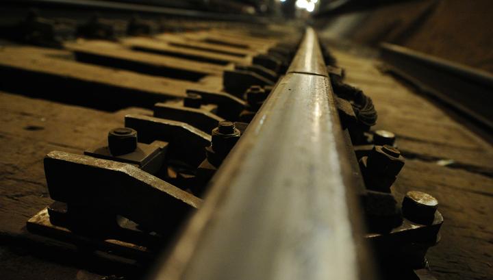 Пассажир метро остался в живых после падения на рельсы