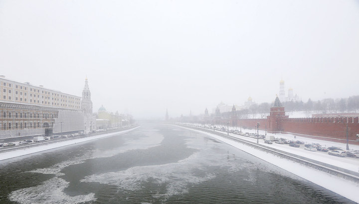 На Москве-реке провалились под лед пять человек