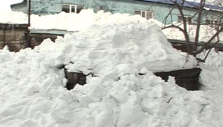 В Тамбове крыша и часть стены жилого дома рухнули под тяжестью снега