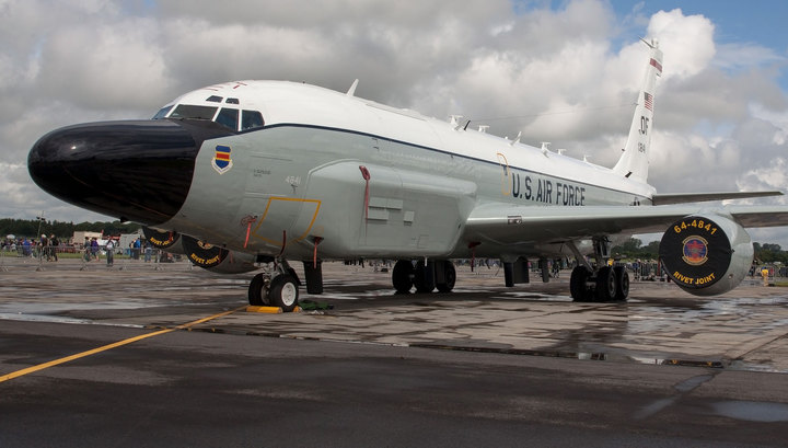 Американские разведчики подлетели к России и ее базам в Сирии