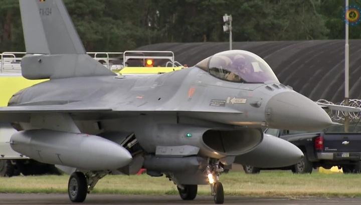 ВВС Бельгии: истребители F-16 поднимались для сопровождения российских Су-27 над Балтикой