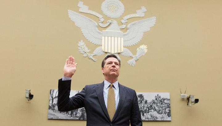 Экс-директор ФБР обсуждал государственные дела в личной почте