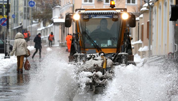 Выпала треть нормы: Москву продолжит засыпать снегом