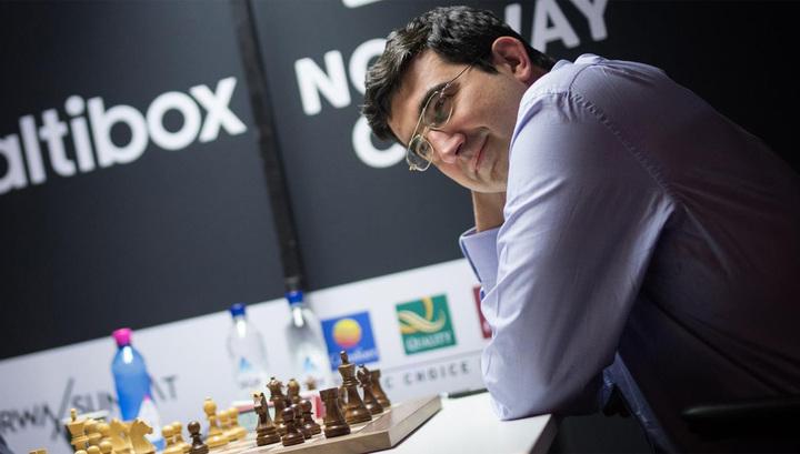 Крамник обыграл соотечественника Свидлера на турнире в Вейк-ан-Зее