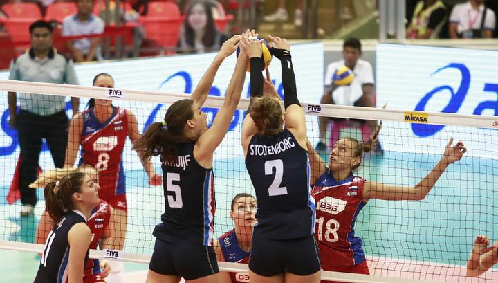 Волейболистки сборной России потерпели первое поражение в Лиге наций