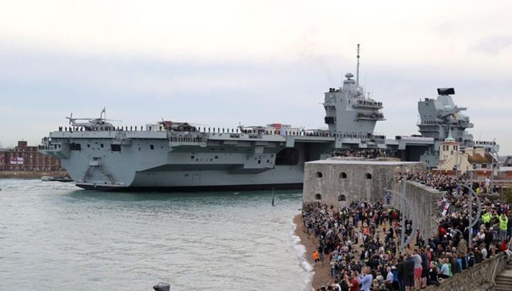 Крупнейший британский авианосец «Королева Елизавета» завершил первое плавание