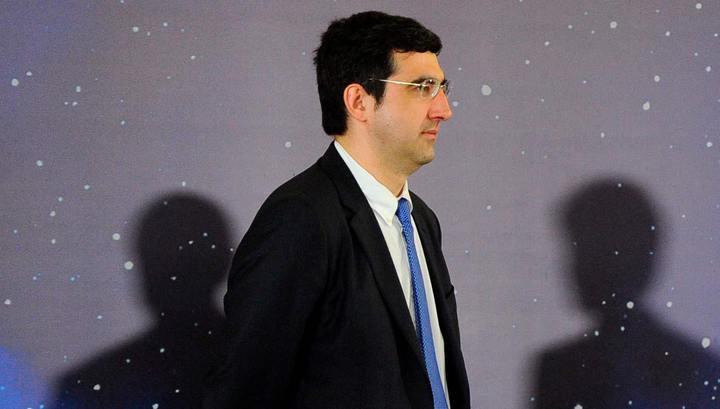 Крамник и Карякин завершили свои партии вничью на турнире в Голландии