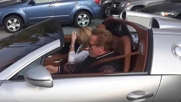 Арнольд Шварцнеггер продал свой гиперкар Bugatti за 2,5 млн долларов
