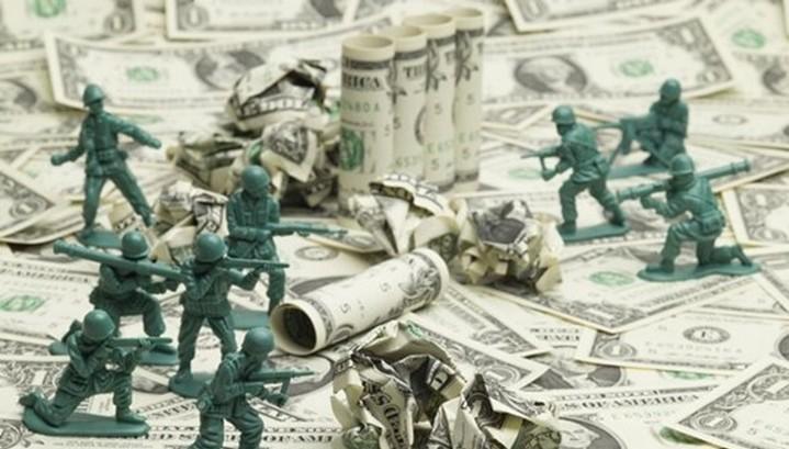 """США и ЕС ведут """"холодную валютную войну"""""""