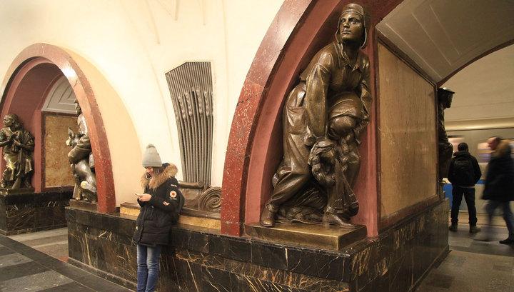 """Овчарке со станции """"Площадь революции"""" отреставрируют нос"""