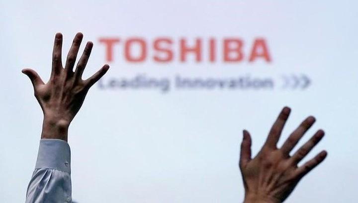 Toshiba прогнозирует первую прибыль за четыре года
