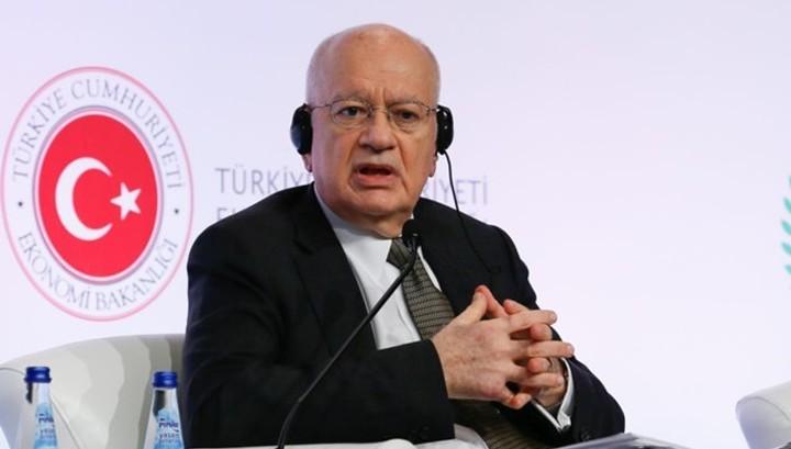 Министр экономики Греции подал в отставку