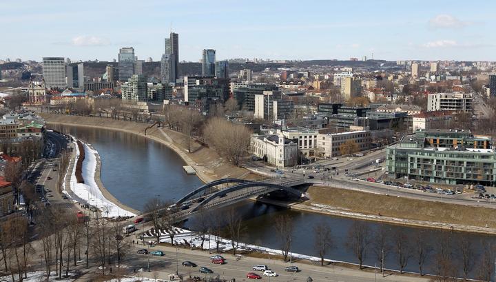 Узники министерства: бастующих литовских учителей заперли в здании