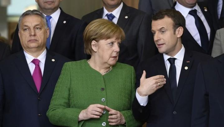 Макрон и Меркель обсудили реформы в еврозоне