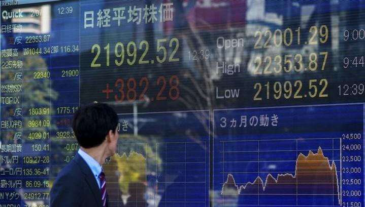 Акции Азии под давлением из-за риска торговой войны