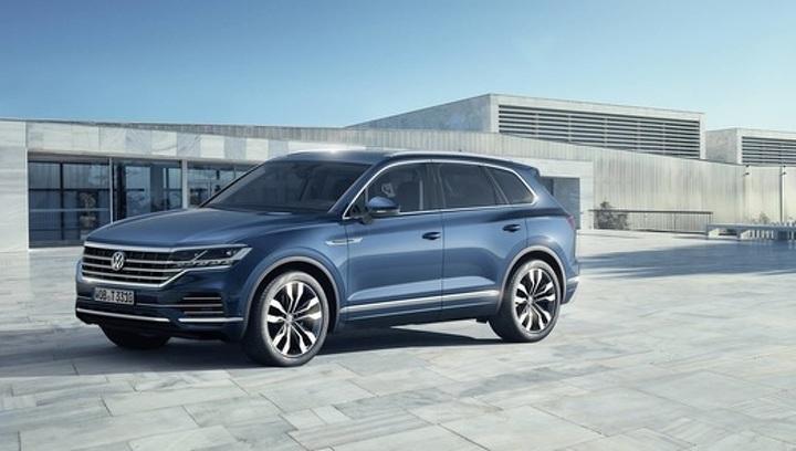 Больше кроссовер, чем внедорожник: Volkswagen представил новый Touareg