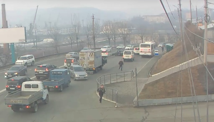 Погоня и ДТП: задержание неадекватного водителя в Находке попало на видео