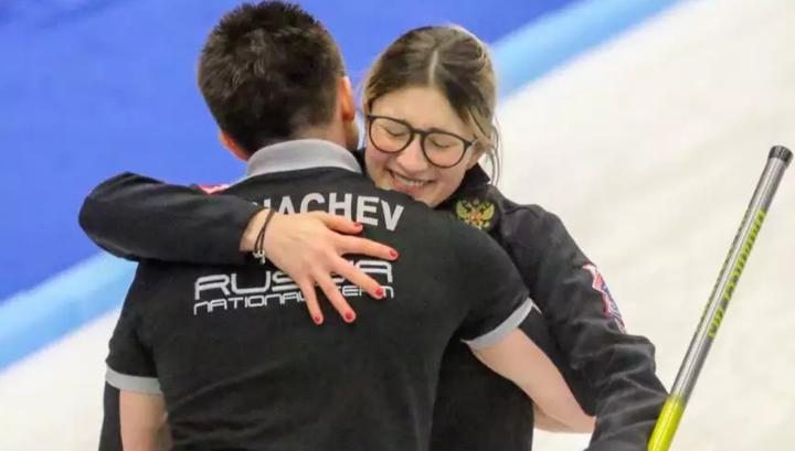 Российские керлингисты Комарова и Горячев пробились в финал чемпионата мира