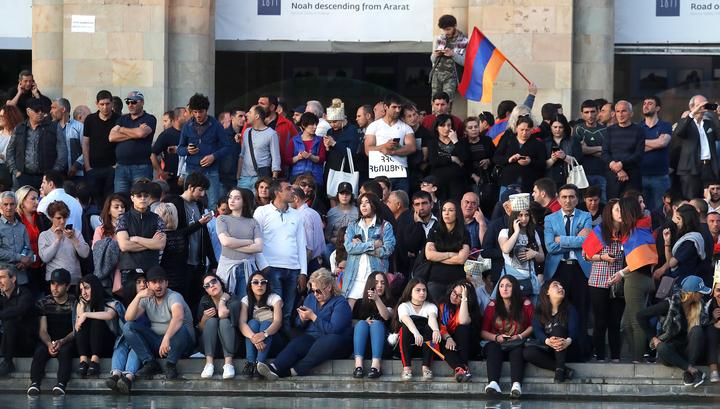 В Ереване студенты вышли на марш протеста