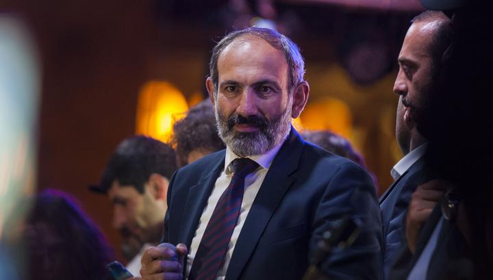 Армянский лидер призвал Москву и Киев к реальному диалогу