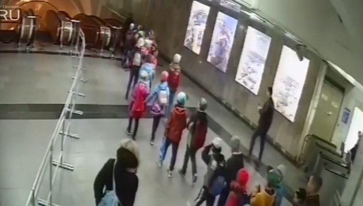 Школьник сломал ногу на эскалаторе в Екатеринбурге