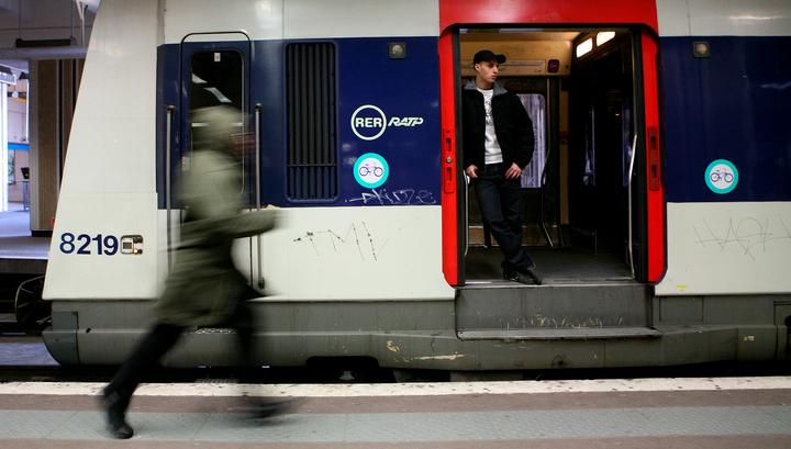 Родившийся в поезде младенец остановил движение парижских электричек