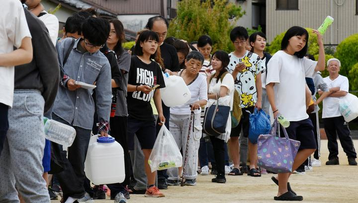 В Японии почти 1,5 тысячи человек находятся в центрах эвакуации после землетрясения