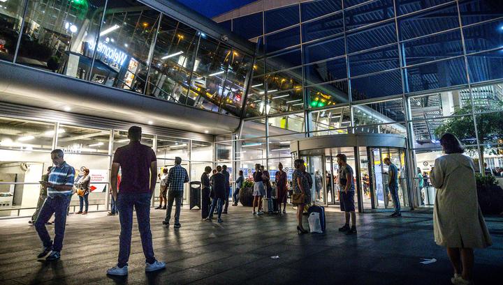 Сообщение о бомбе в самолете в аэропорту Эйндховена оказалось ложным