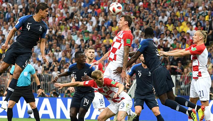 """Франция – Хорватия. """"Трехцветные"""" вышли вперед после пенальти"""