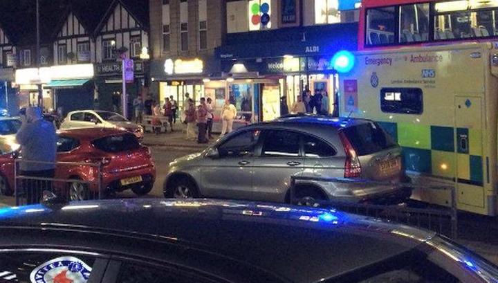 Три человека получили ранения в перестрелке в Лондоне