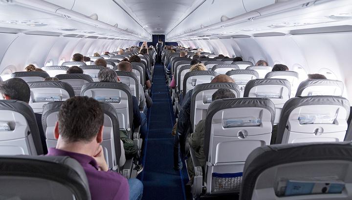 Житель Подмосковья устроил дебош на борту авиарейса из Минска в Москву