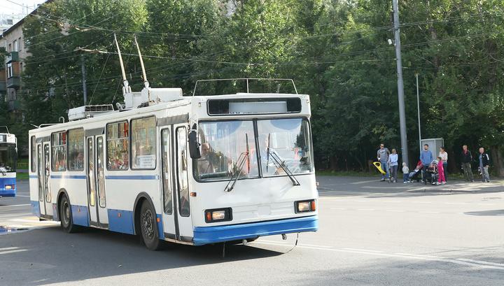 Троллейбус протаранил жилой дом в Туле