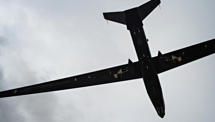 Американский беспилотник семь часов летал у границ России