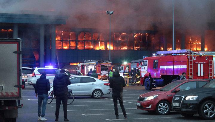 """Пожар в """"Ленте"""": в гипермаркете разлили горючую жидкость"""