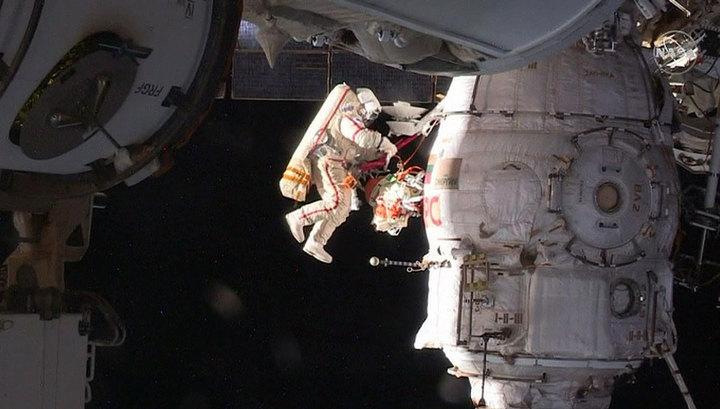 """""""Роскосмос"""": зарплата космонавтов сопоставима с зарплатой их коллег из NASA"""