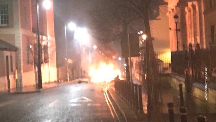 В североирландском городе Лондондерри прогремел взрыв